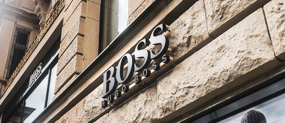 """Pre-mounted 2D Letters with the """"Boss"""" sign"""