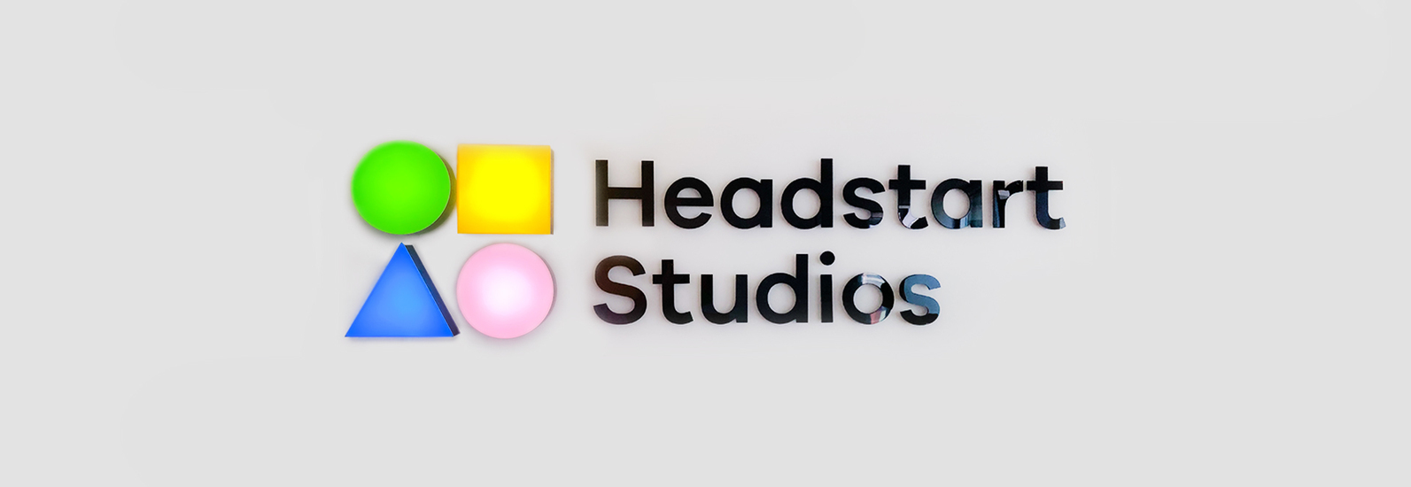 3D Letters with the Headstart sign